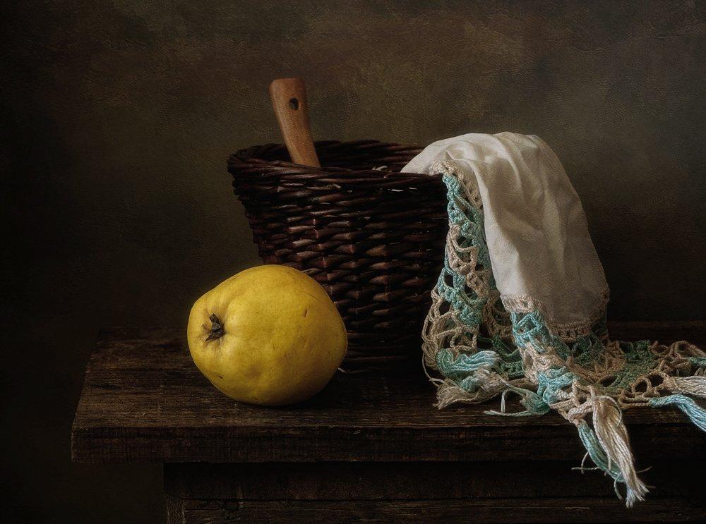 натюрморт,айва,осень,салфетка,корзина, Наталия К