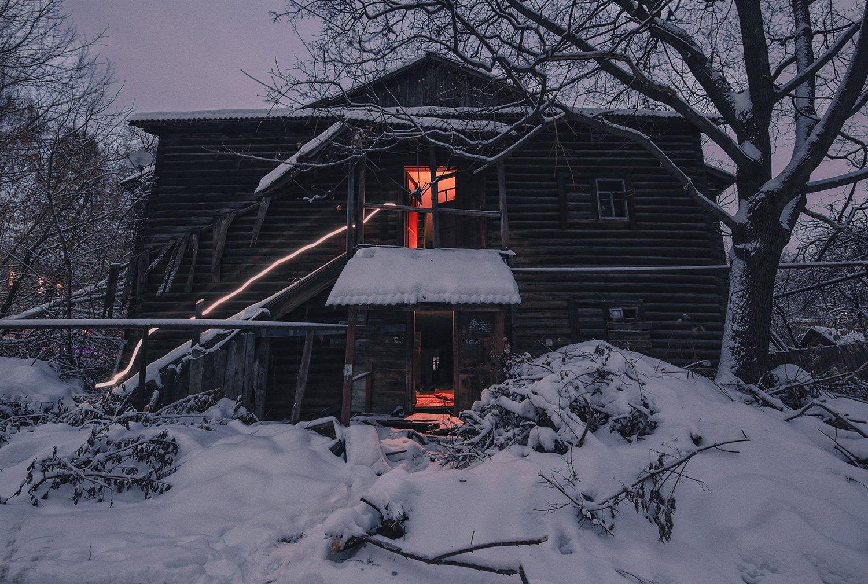 заброшенное, свет, снег, зима, Артемий Тузов