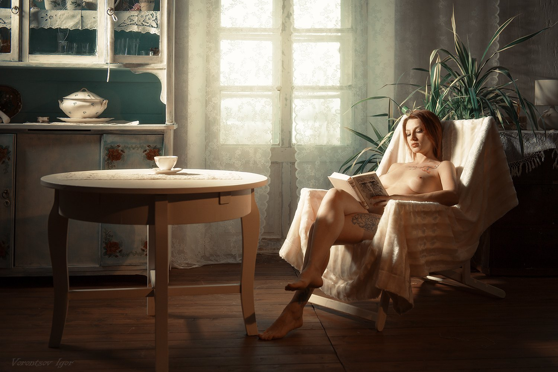 ню, девушка, грудь, обнажённая,окно, винтаж, прованс, книга, красивая , голая, Воронцов Игорь