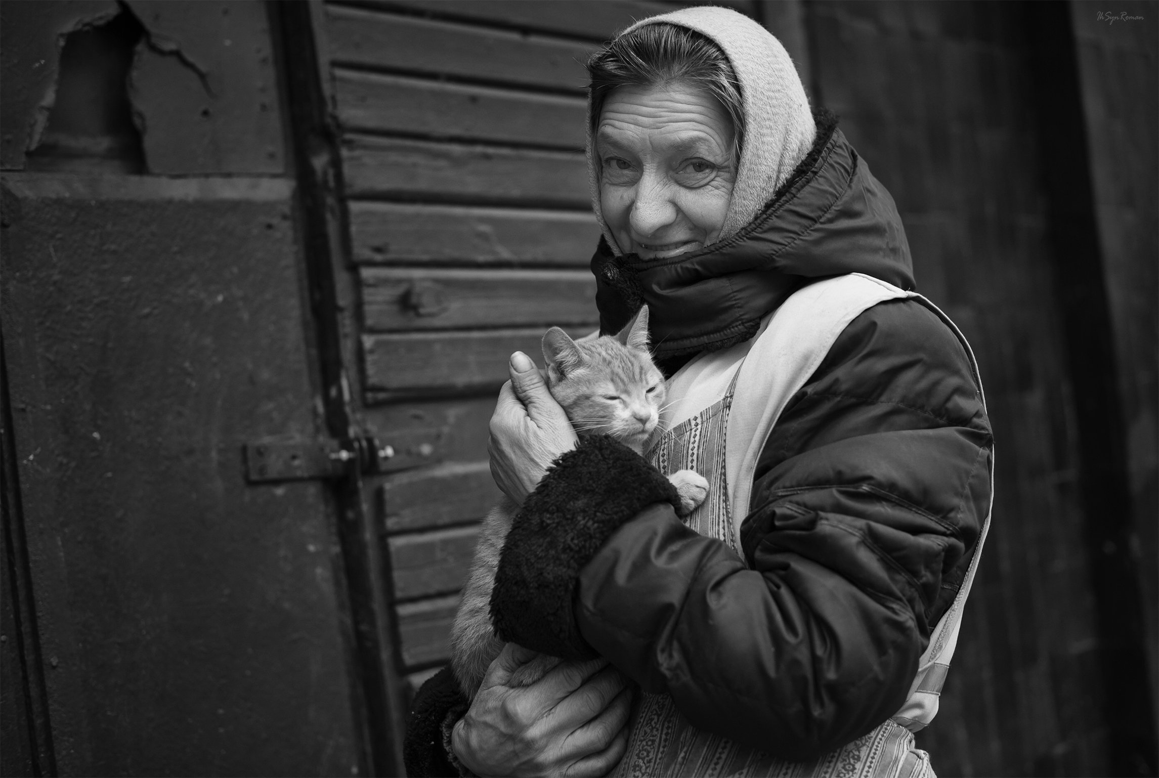 портрет,женщина,кот,жанр,улица,дом, Roma  Chitinskiy
