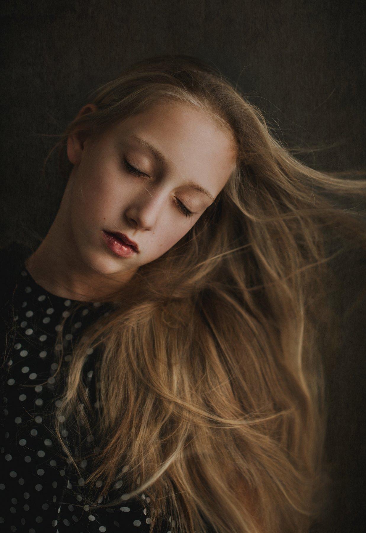 girl, portrait, eyes, look, natural-light, Ścigaj Anna