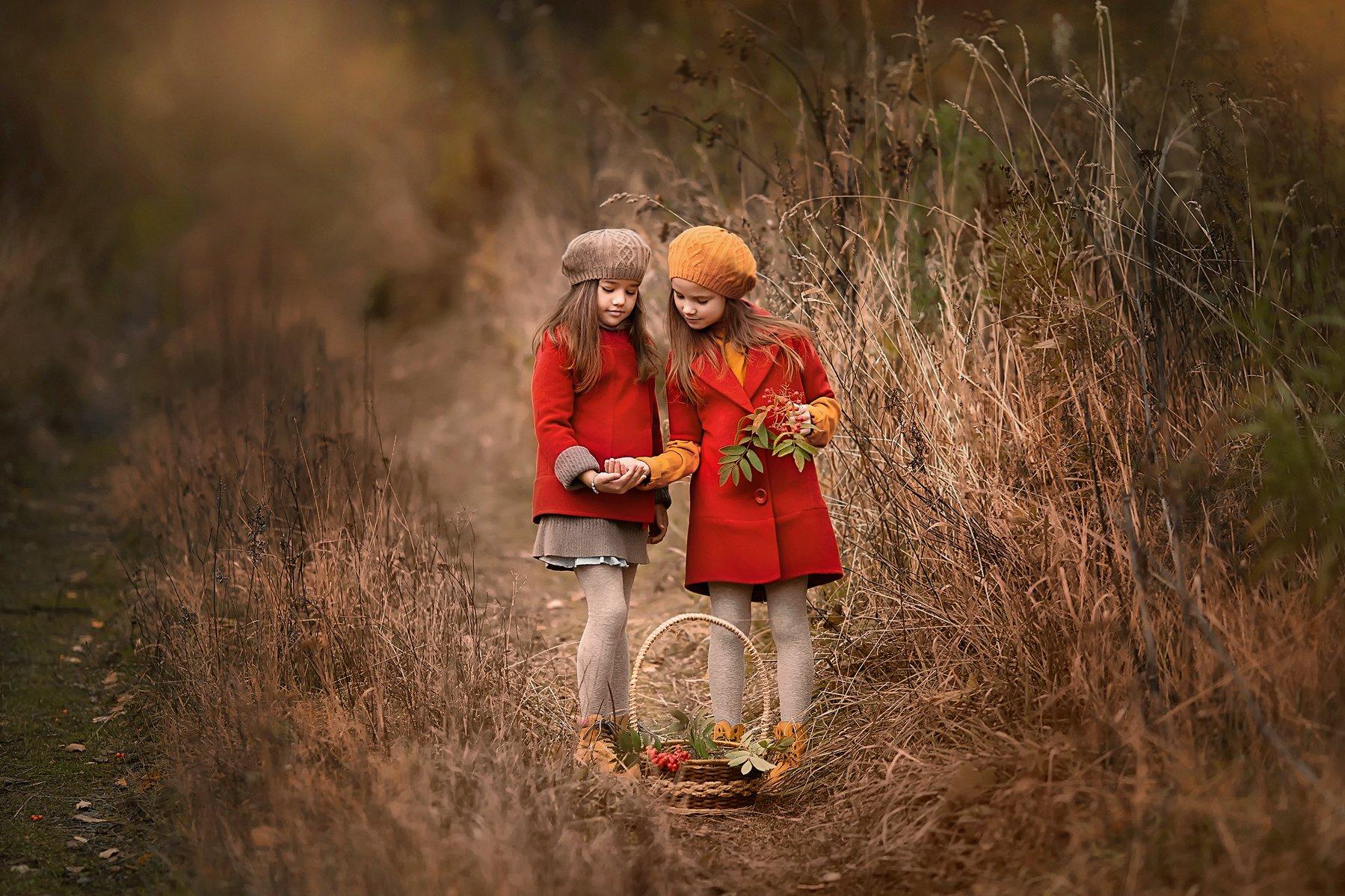Девочки, дети, осень, рябина, Бармина Анастасия