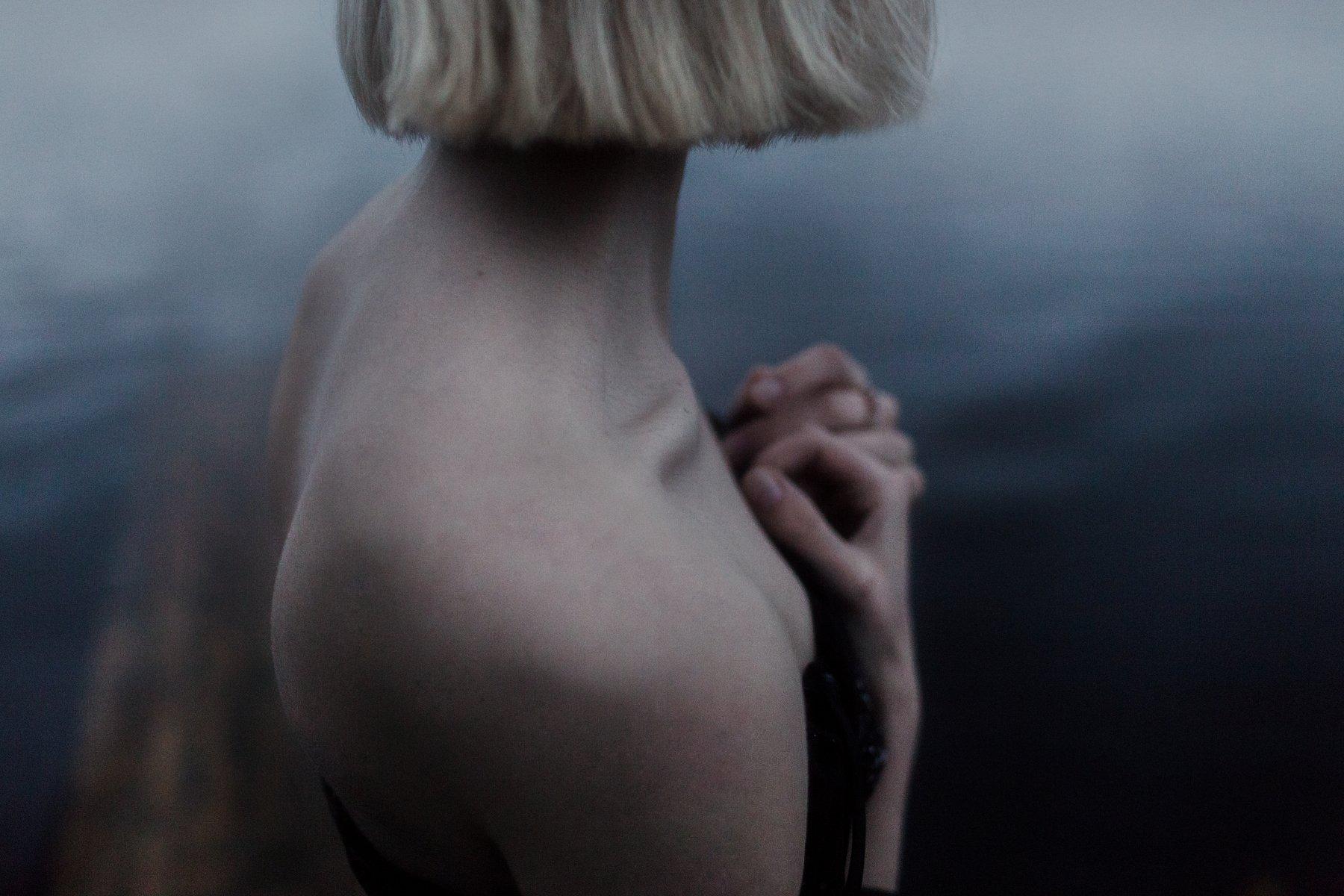 лето, вечер, девушка, река, вода, ночь, причал, красивая, утонченная, блондинка, Dmitry Bastet