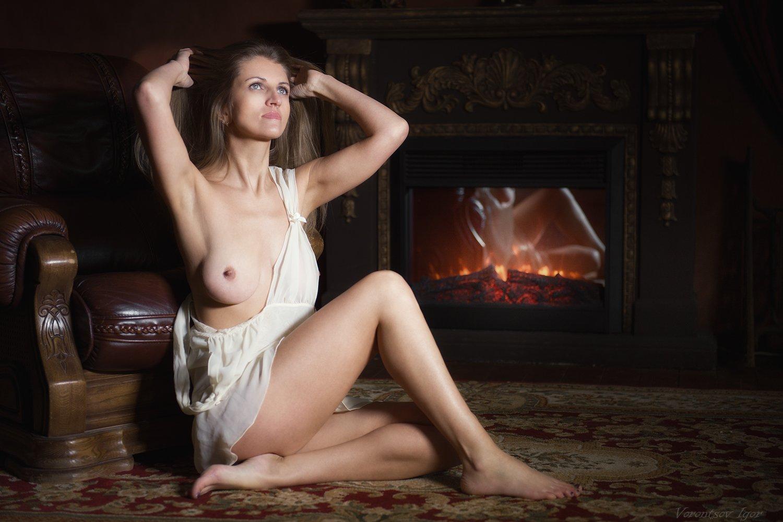 ню, девушка, грудь, обнажённая, красивая,камин, Воронцов Игорь