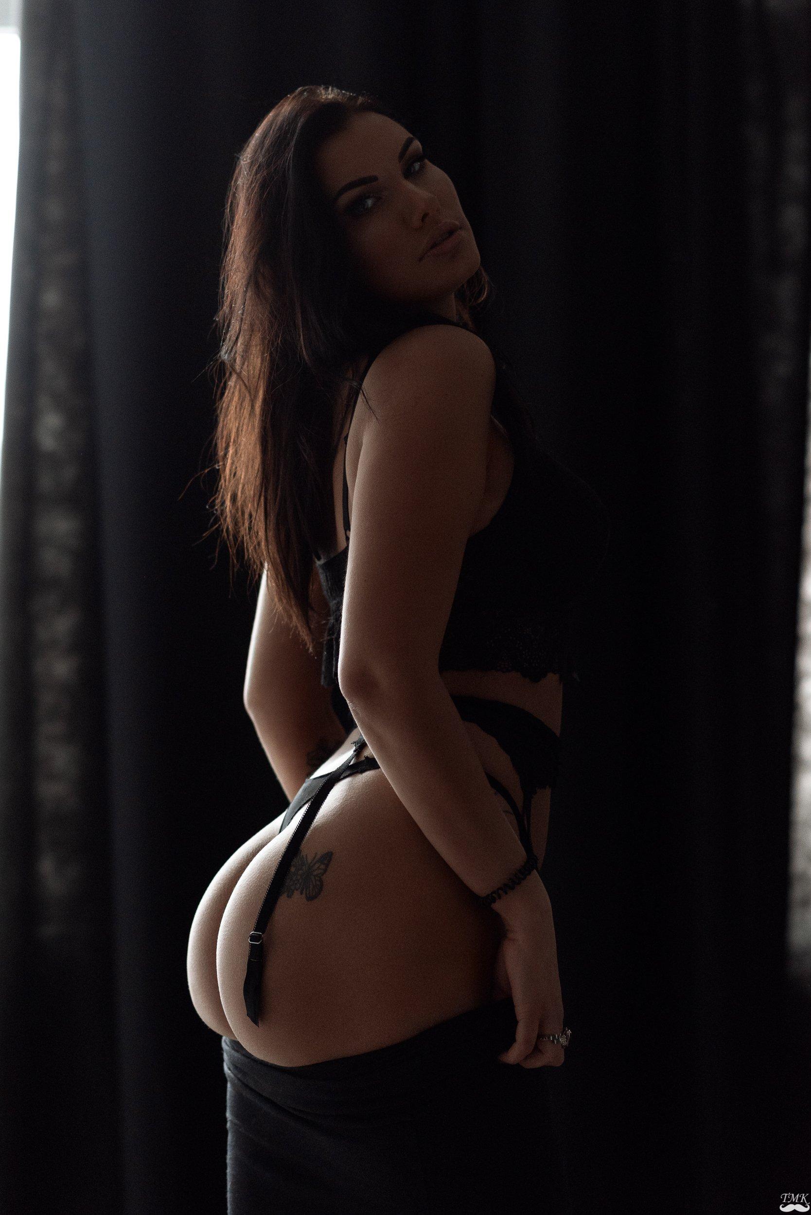 people, butt, ass, curvy, sexy, sensual, natural light, mood, brunette, portrait, underwear, lingerie, girl, Tomas Masoit