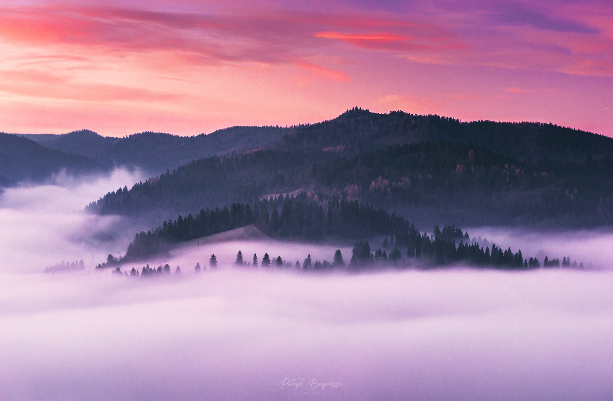 mountains, poland, slovakia, pieniny, light, sunrise, sun, light, landscape, hills, colors, purple, burning, skies, fog, mist, misty,, Bieganski Patryk