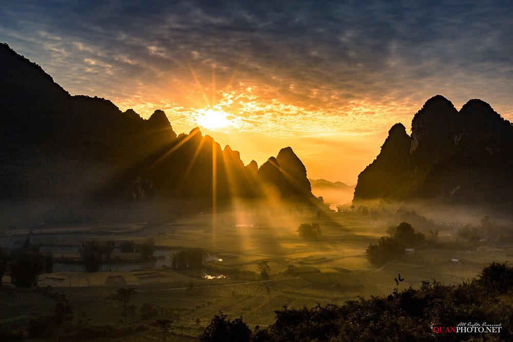 quanphoto, landscape, morning, sunrise, dawn, mountains, rays, valley, river, sunlight, long_exposure, vietnam, rice, farmland, agriculture, quanphoto
