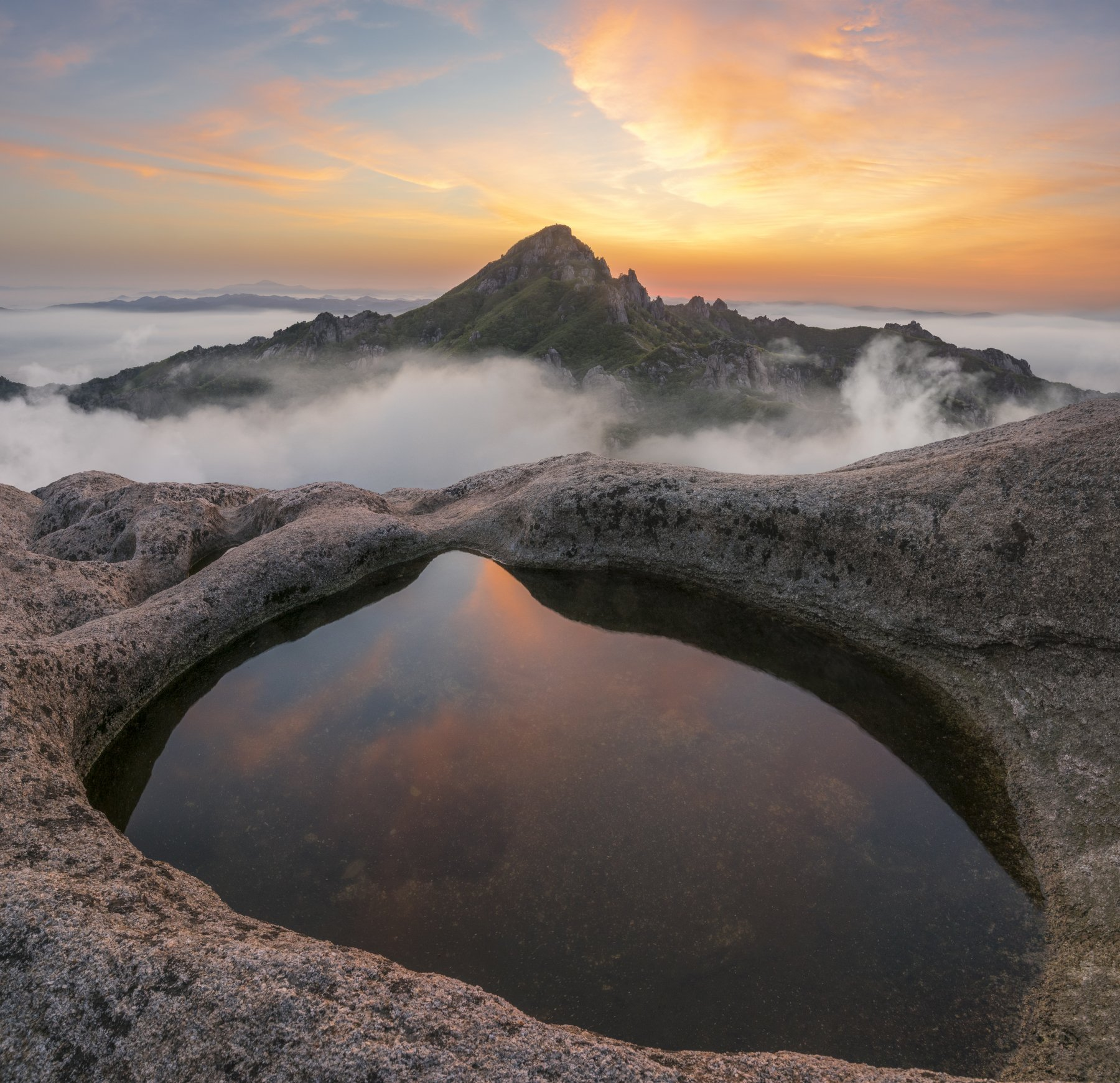 mountain, reflection, poolside, wolchulsan, sunrise, rocks, clouds, pool, wolchulsan national park, foggy, top, 류재윤