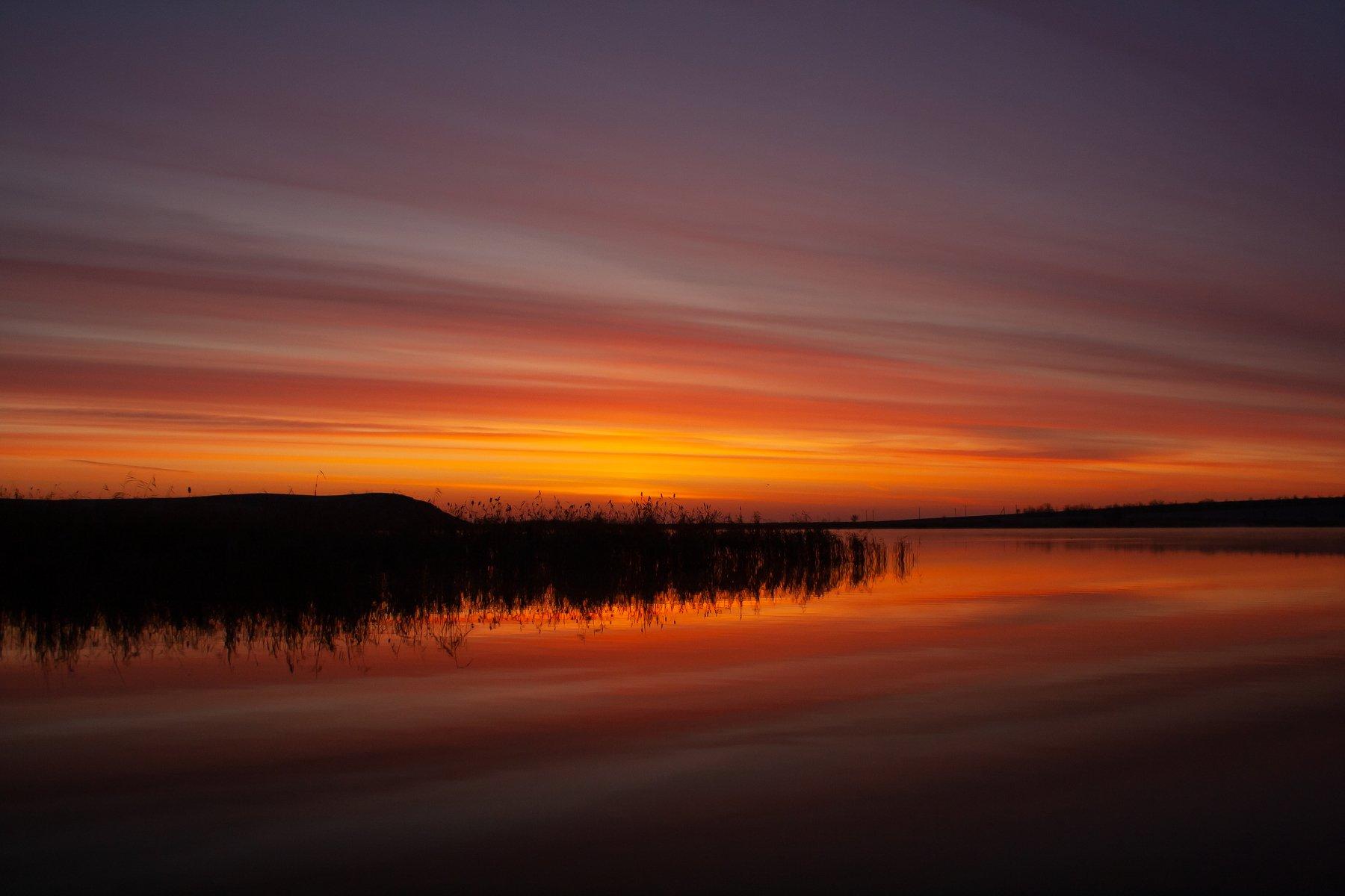 Природа, пейзаж, озеро, рассвет, рассвет на озере, вода, отражение, отражение в воде, камыш, небо, Александр Кожухов