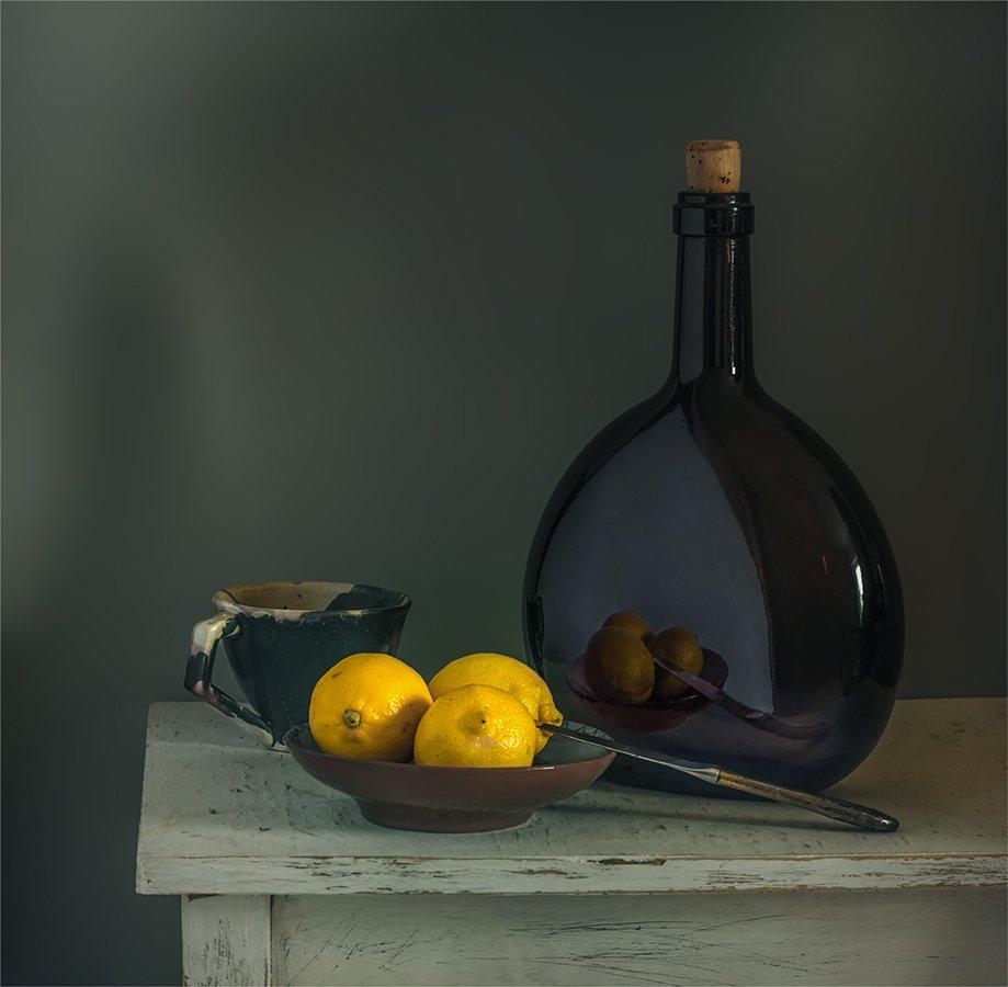 still life, натюрморт,    винтаж,  ретро, еда,  цитрус, спелый, отражение, бутылка, чашка, нож, посуда, пастель,, Шерман Михаил