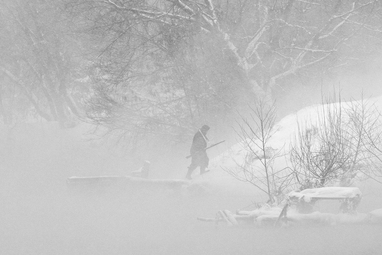 рыбак, зима, метель, озеро горячка, косая гора, Михаил Агеев