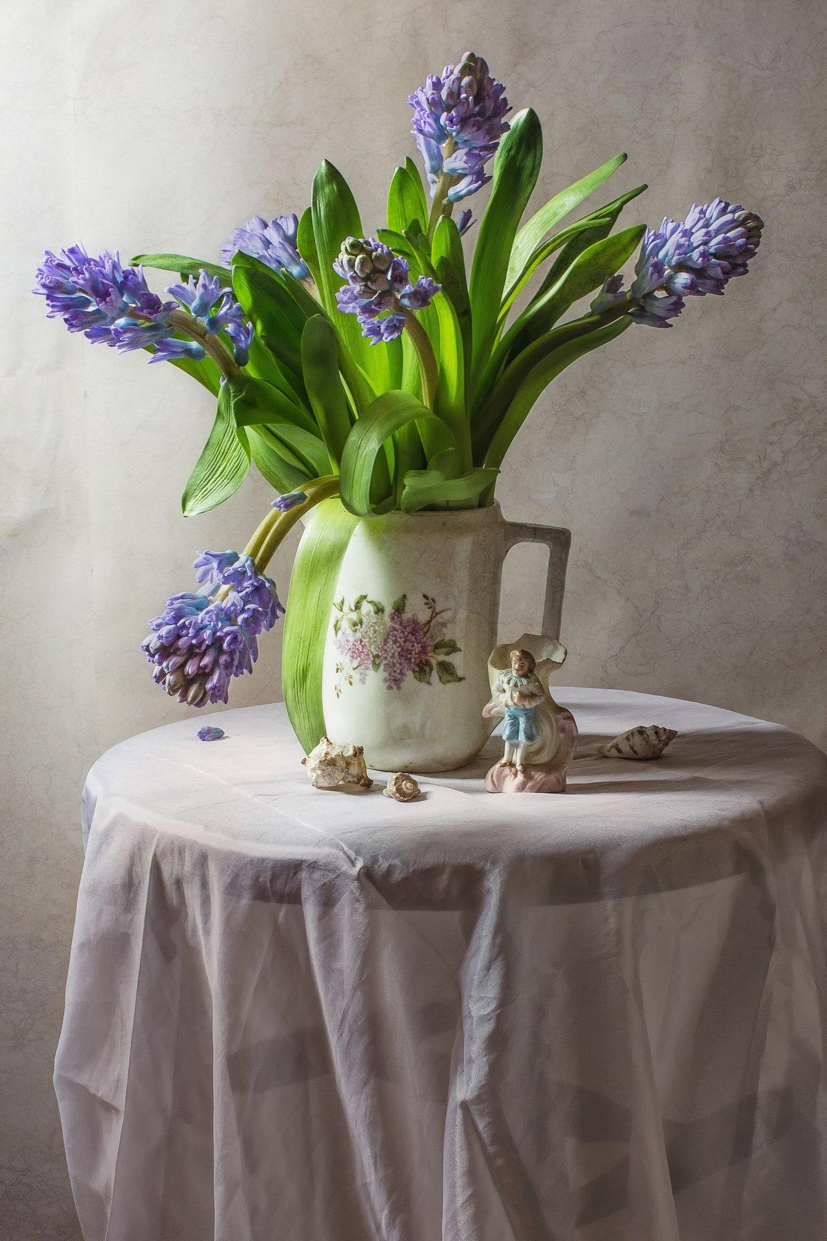 натюрморт, фарфор, кувшин, цветы, гиацинты, Анна Петина