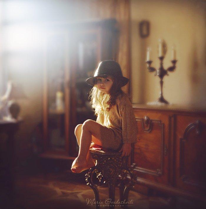 film, 6x6, gilr, hat, sun, light, golden, elly, Maria G