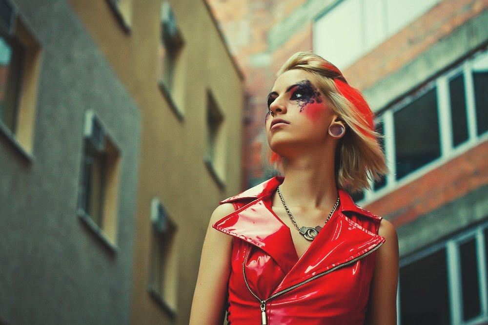 girl, red, make up, trash, tunnels, city, buildings, девушка, красный, тоннели, здания, Скрипка Виктория