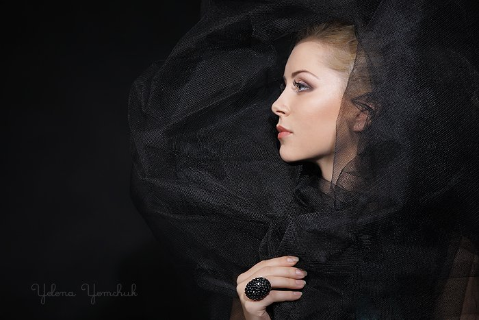 портрет, Yelena Yemchuk