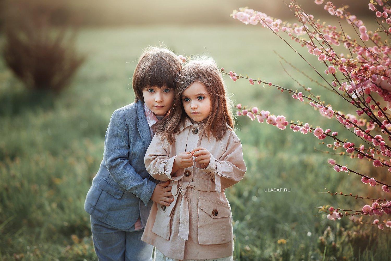 портрет, девочка, мальчик, фотосессия на природе, детские фото, boy, girl, лес, друзья, эмоции, дружба, солнышко, дети, закат, вечер, прогулка, фотопрогулка, лучи, sun, happy, happiness, сказка, волшебство, весна, spring, Юлия Сафо