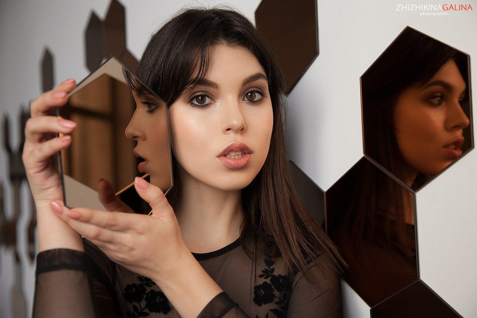 девушка, портрет, лицо, отражение, глаза, зеркала, москва, фотограф, girl, portrait, face,, Галина Жижикина