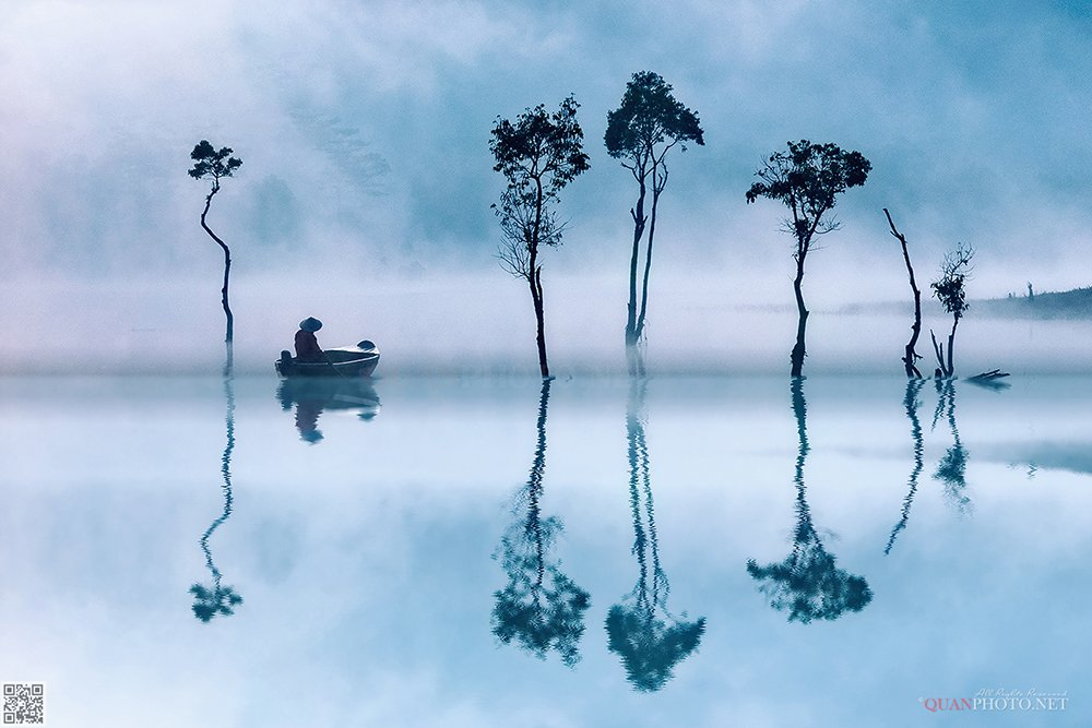 quanphoto, landscape, sunrise, dawn, morning, foggy, fisherman, fishing, clouds, lake, reflections, trees, plateau, vietnam, quanphoto