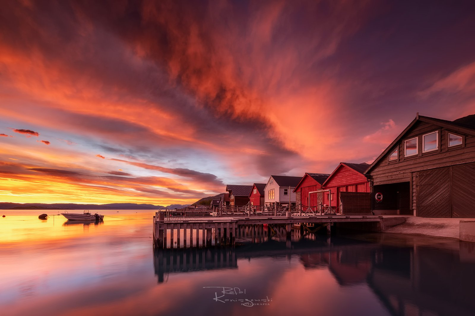 susnset,architecture,mood,red sky, travel,norway,house,reflections,water,fiord,, Kaniszewski Rafal