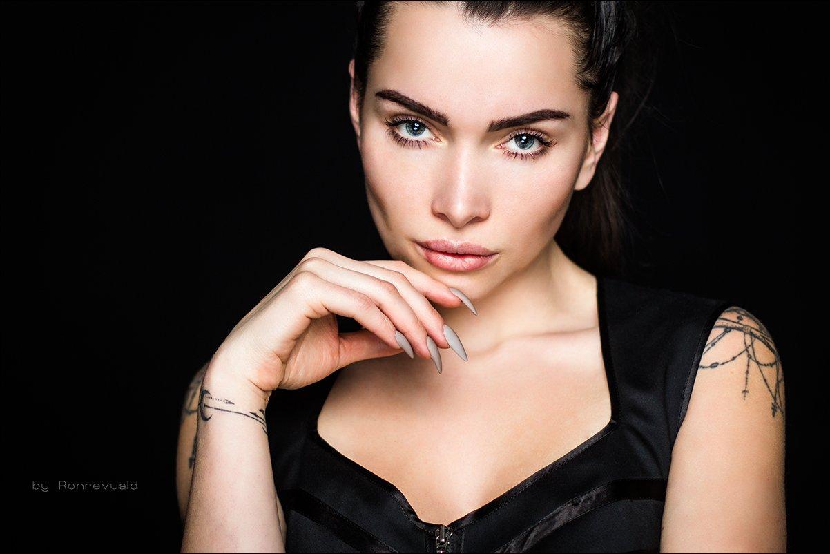 girl,woman,eyes,beauty,portrait,fashion,light,девушка,портрет,москва,свет, глаза,studio, Ronrevuald