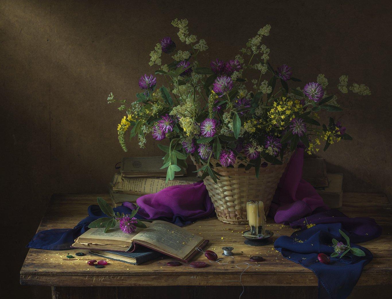 натюрморт,лето,букет,книги,клевер, Елена Рубинская