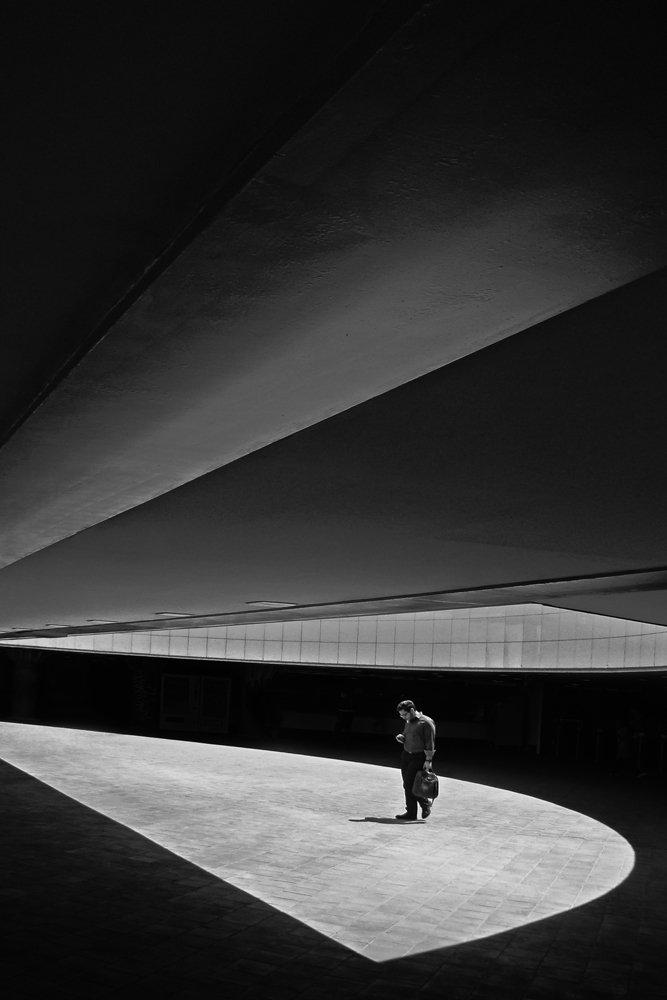 street, bnw, human, perspective, conceptual, art, fine art, Dadsetan Mohammad
