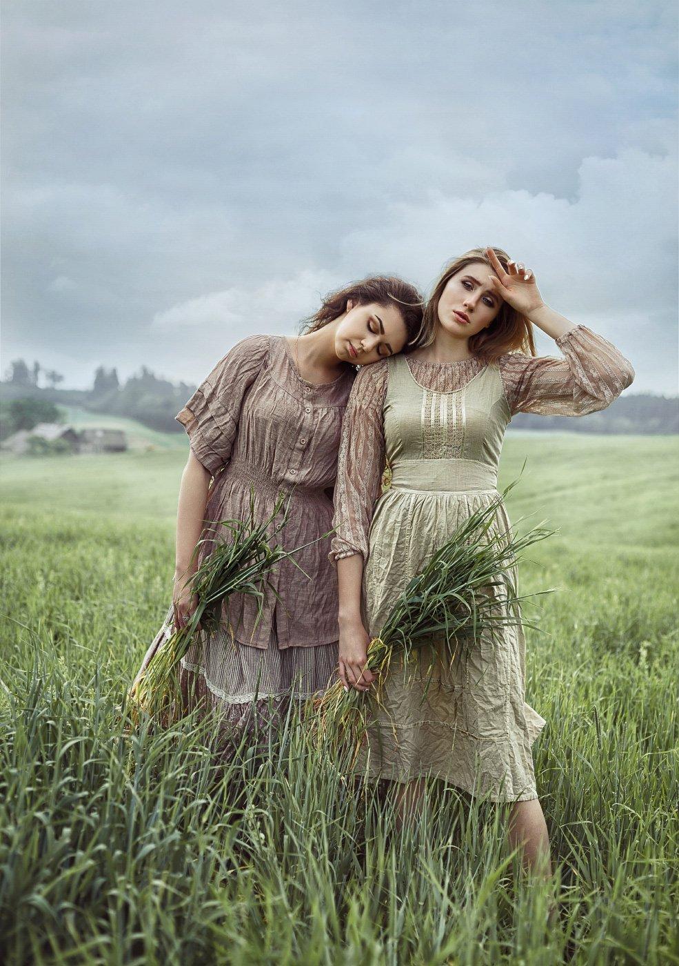 поле, трава, лето, урожай, село, девушки, крестьянки, женский портрет, постановочное фото, Прядко Наталья