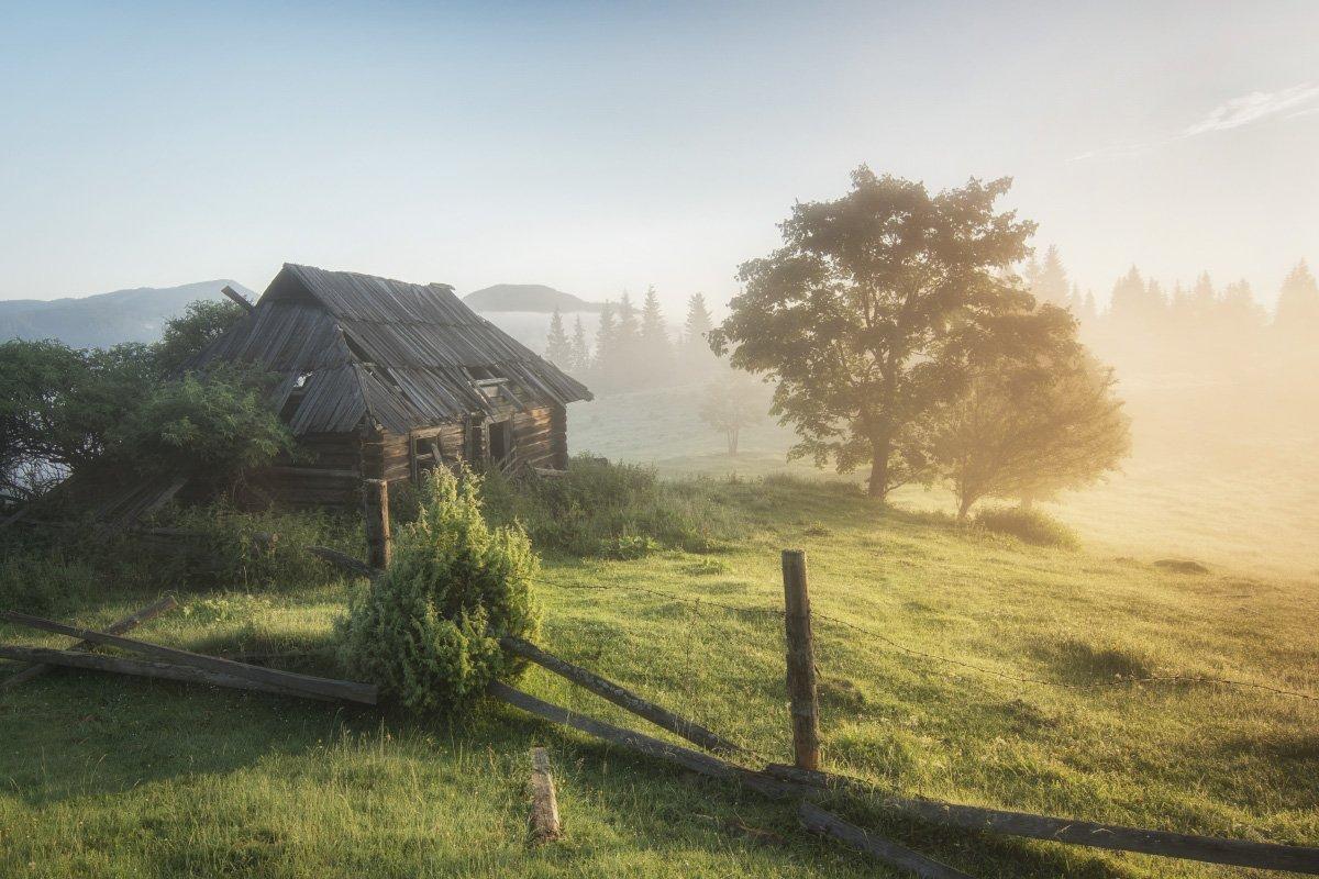 украина карпаты утро изба туман солнце ukraine carpathians morning hut fog sun, Игорь Марценюк