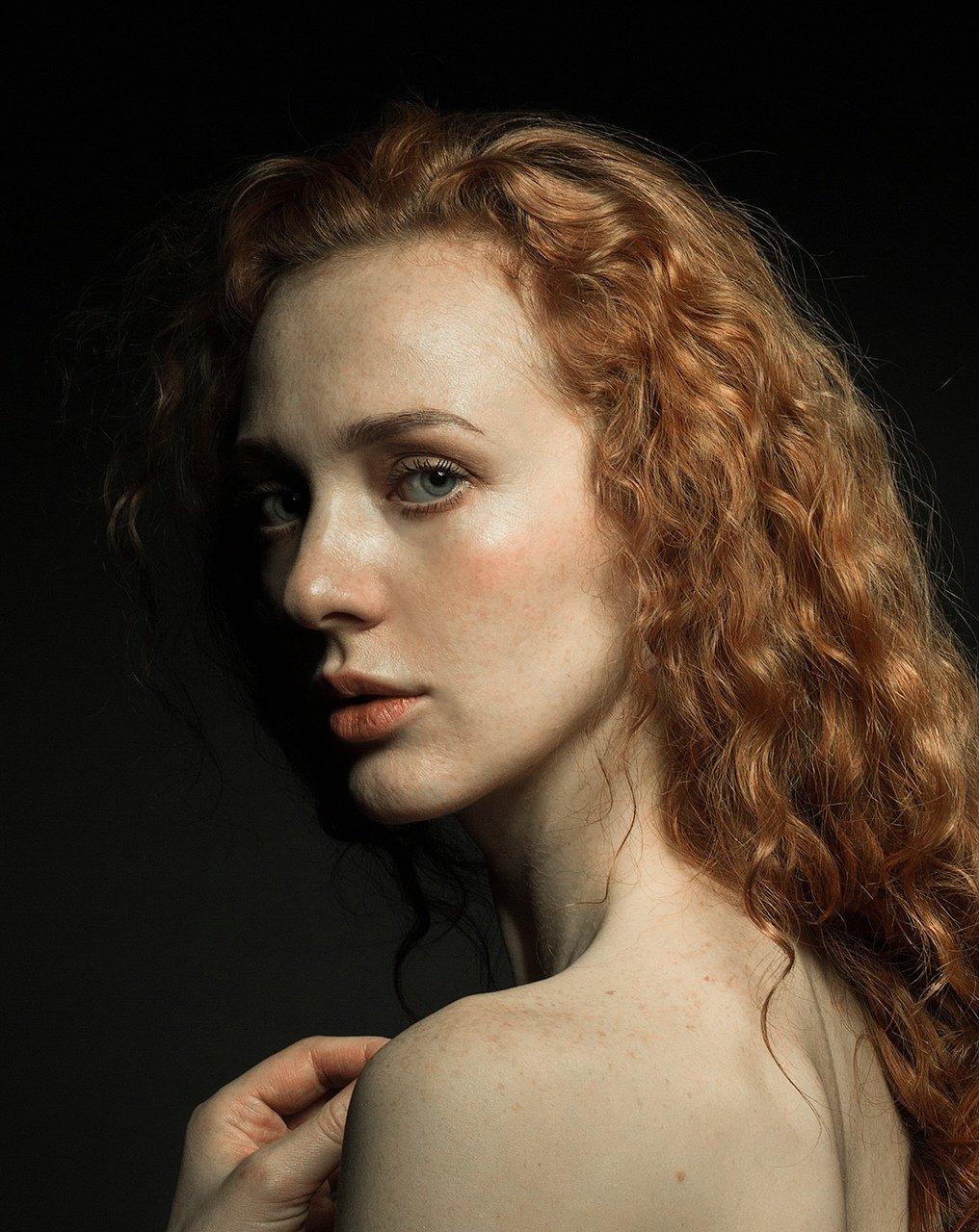 модель, девушка, рыжая, волосы, кудри, картина, губы, глаза, локоны, красивая, женщина, портрет, Комарова Дарья