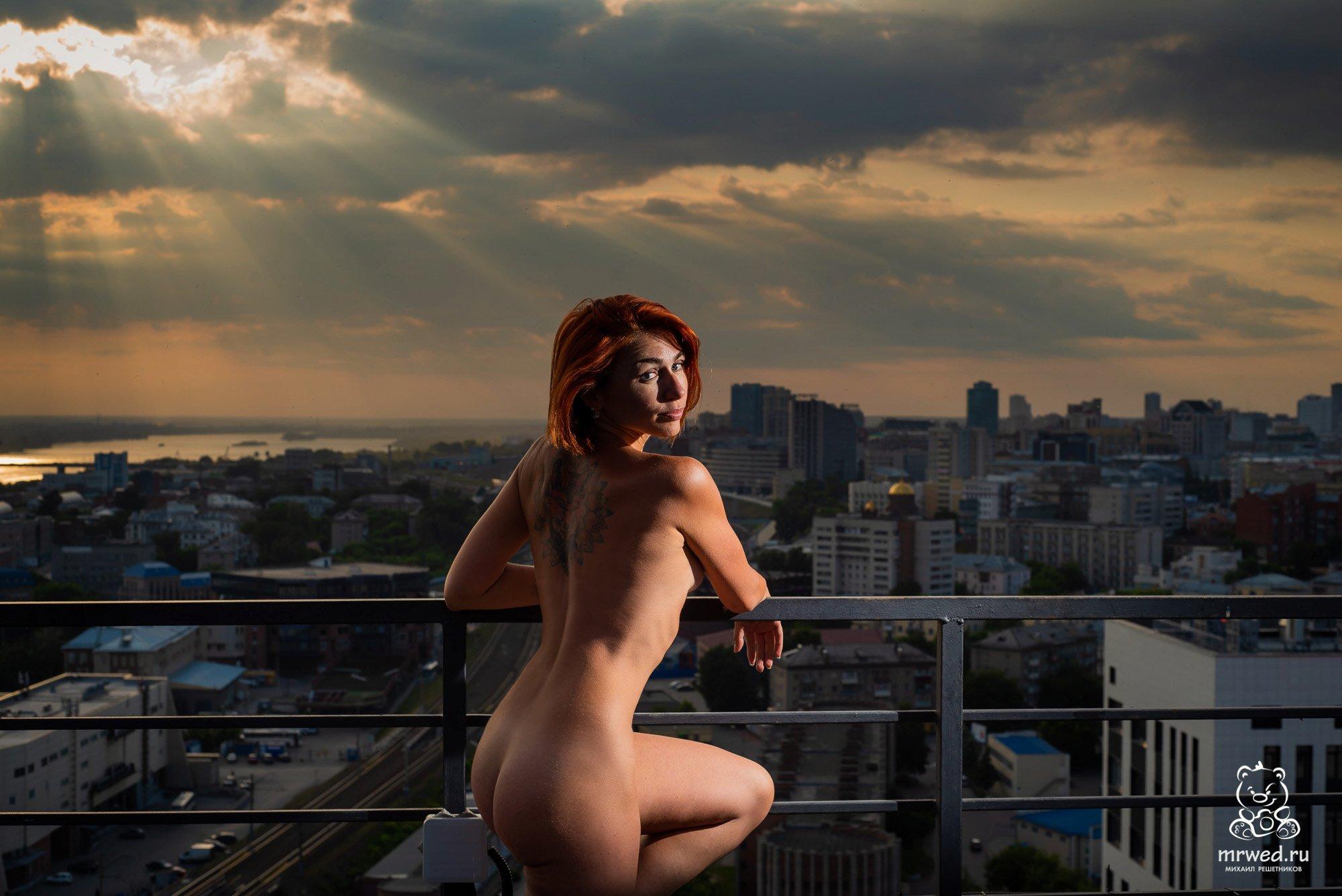 ню, крыша, Михаил Решетников, Новосибирск, рыжая, закат, Решетников Михаил