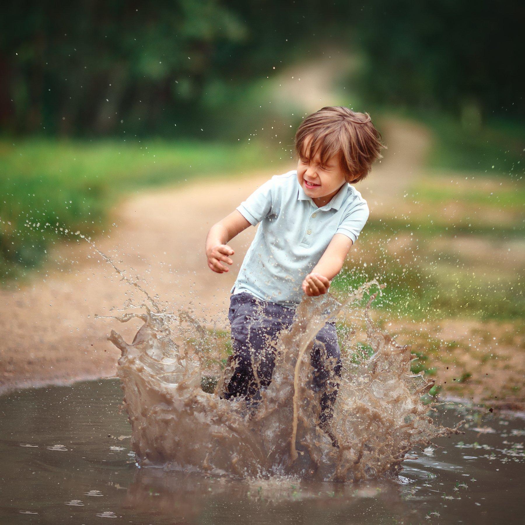 лужи ребенок прыжок детство, Алексей Баталов