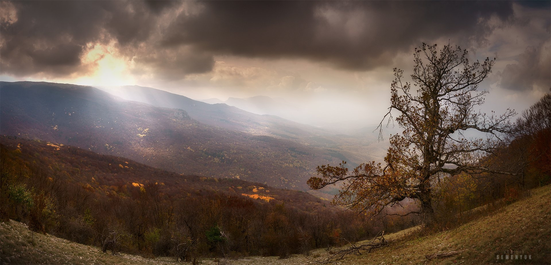 крым, горы, учт-таш, главная гряда, панорама, осень, лес, mountains, forest, autumn, mist, dawn., Семенюк Василий