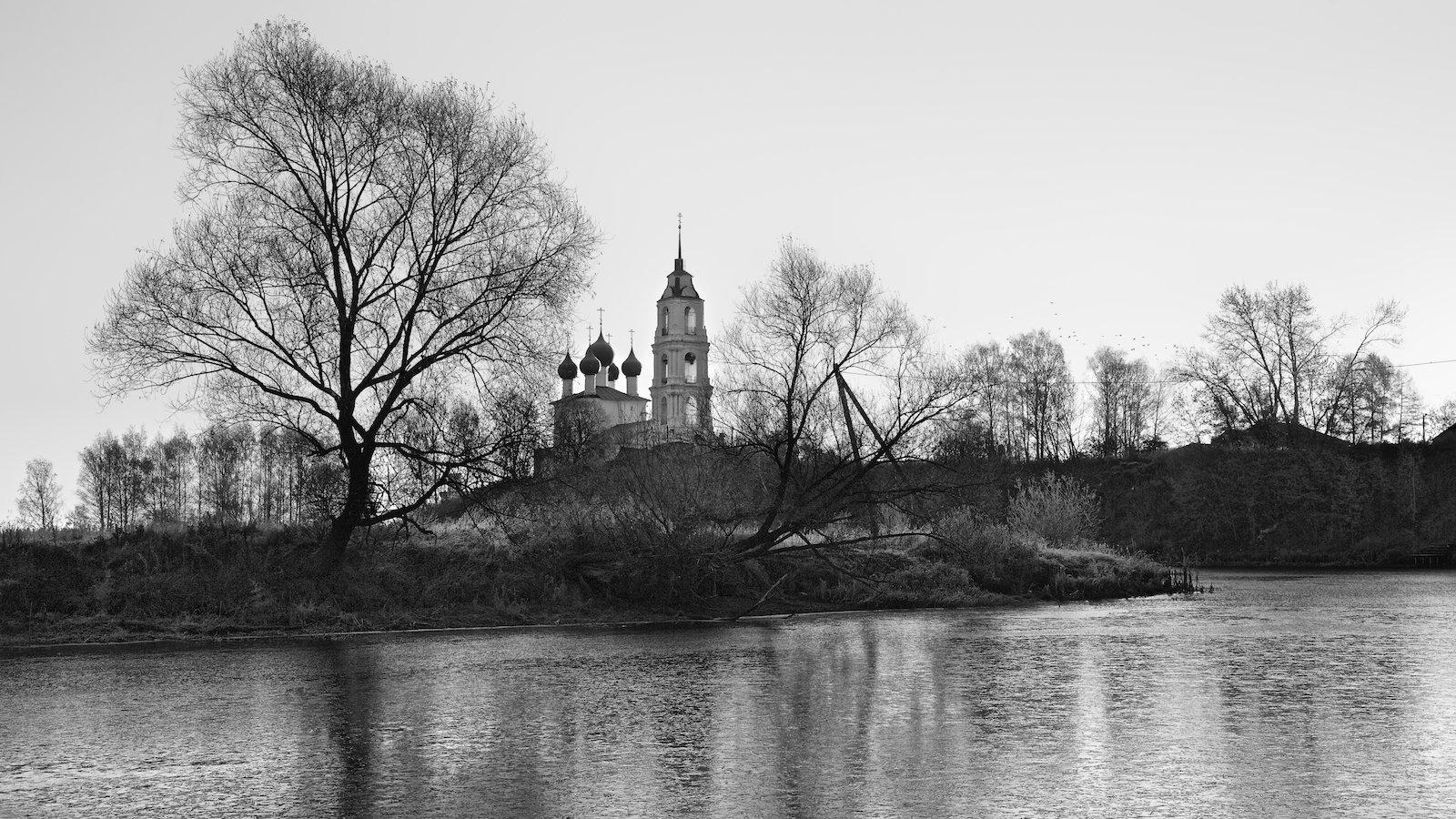 пейзаж храм церковь осень восход река лёд, СПИРИДОНОВ НИКОЛАЙ