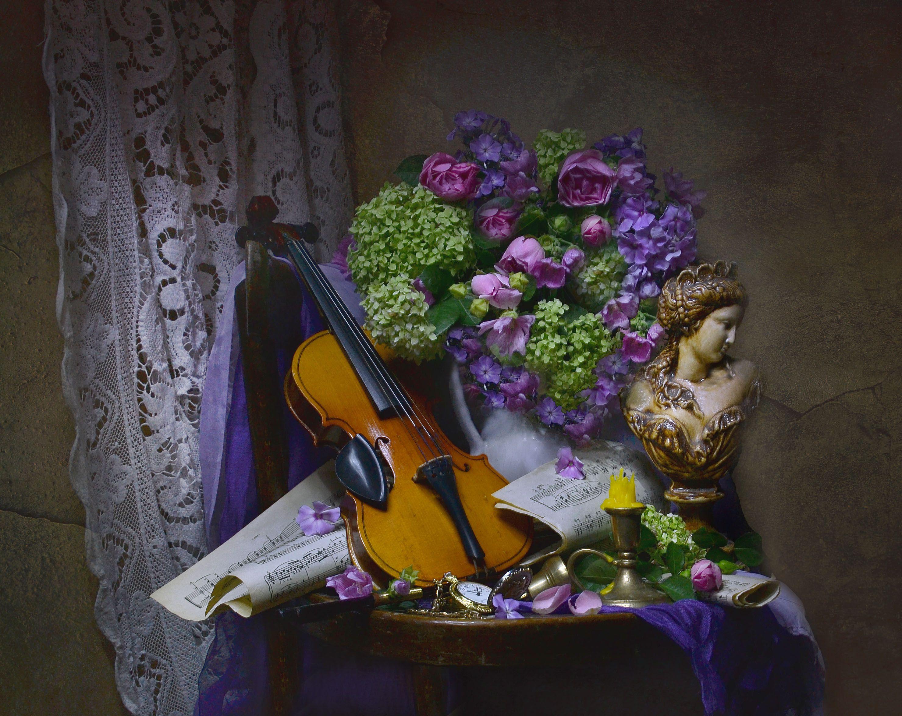still life, натюрморт,фото натюрморт, август, лето, цветы, флоксы, гортензия, розы, скрипка, ноты, подсвечник, часы, смычок, Колова Валентина