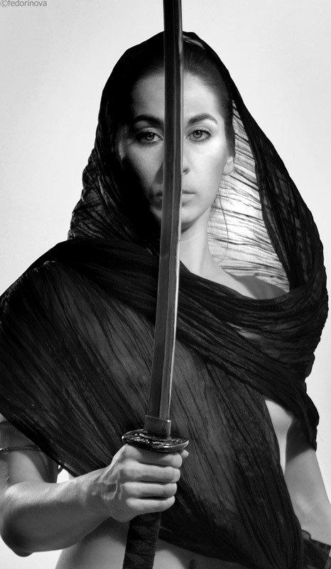 меч, женщина, катана, ч/б, портрет, Tarishta