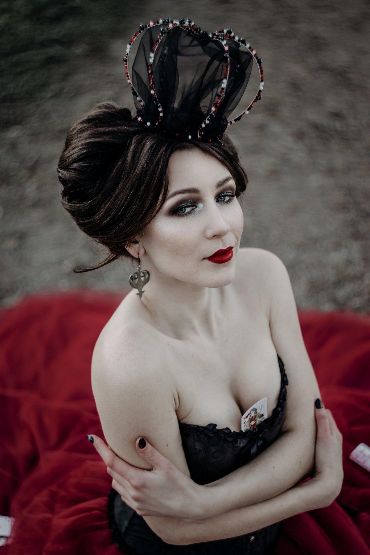 queen portrait girl, Agafonova Mila