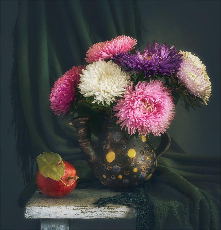 still life, натюрморт,    винтаж,    цветы,   астра, букет, яблоко, еда,, Шерман Михаил