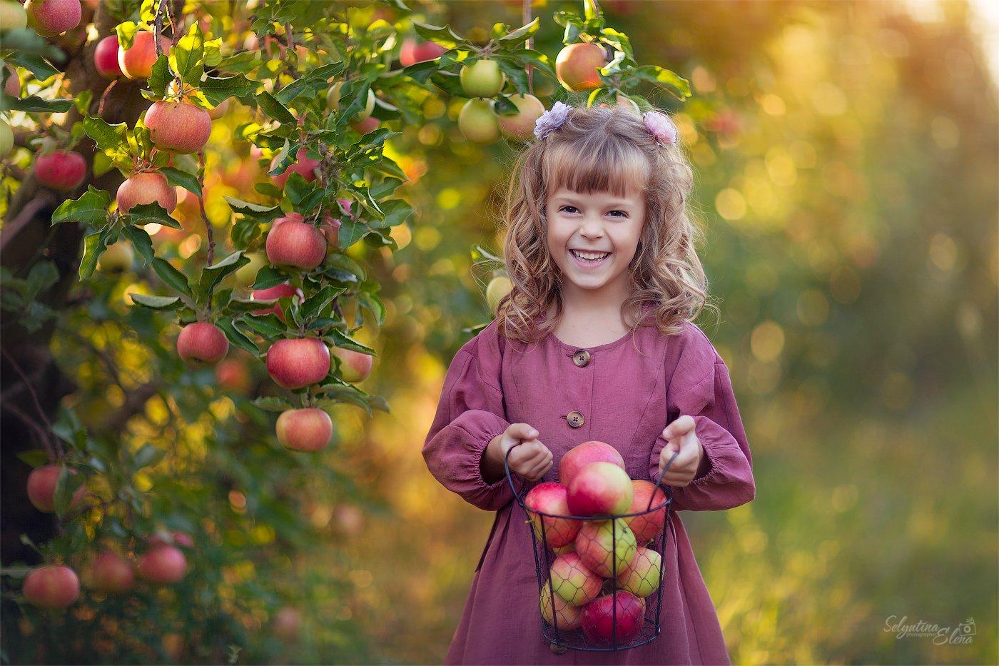 яблоки, apple, детская фотография, детская съемка, яблоневый сад, дети, kids, children photography, Elena Selyutina