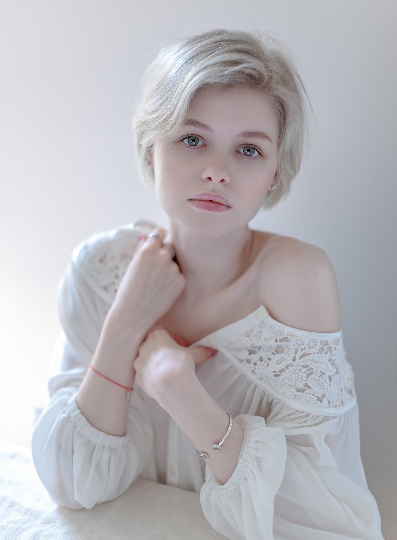 fine art , постановочная фотография ,жанровый портрет, губы , portrait, Kholodova Natalia
