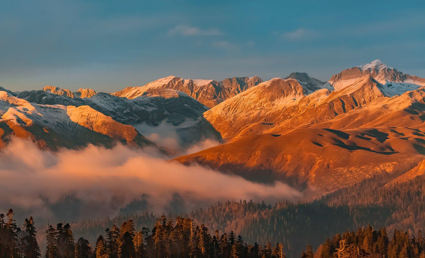 абхазия, фототур, путешествие, туризм, горы, осень, лес, туман, горы, в горах, осенний, хребет, аарба,, Лашков Фёдор