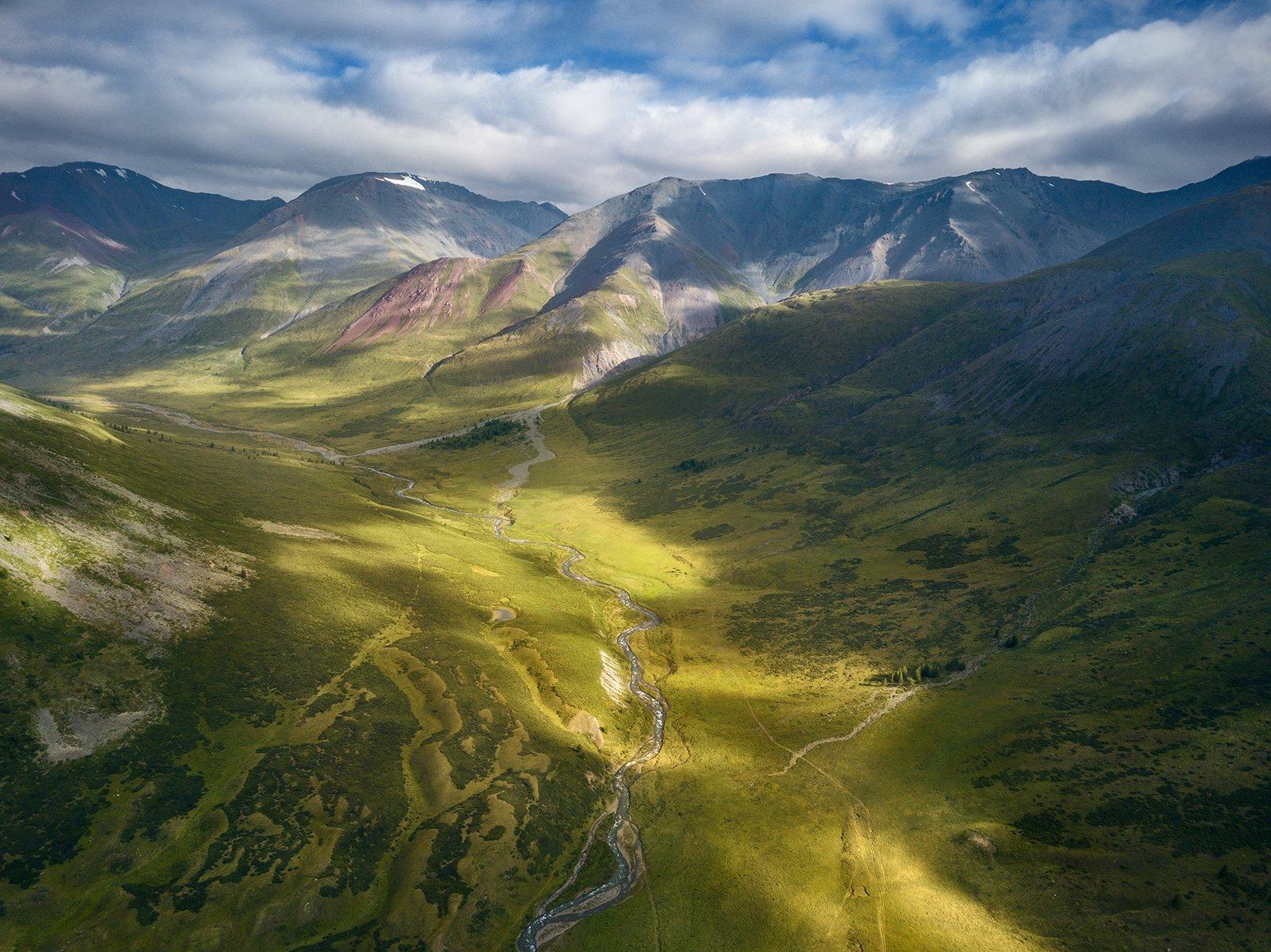 пейзаж, природа, ущелье, горы, высота, полет, дрон, квадрокоптер, река, тара, дара, южно, чуйский, хребет, алтай, сибирь, поход, путешествие, пятна, солнечные, большой, высокий, облака, далекий, Антипов Дмитрий