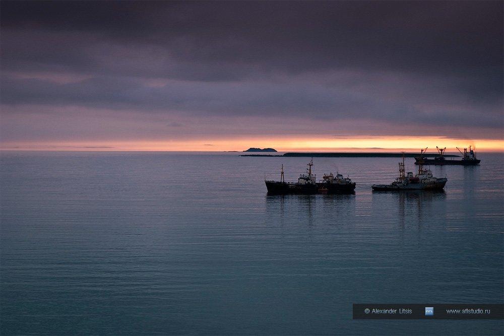 море, океан, острова, корабли, рейд, стоянка, вечер, командоры, никольское, беринга, Александр Лицис