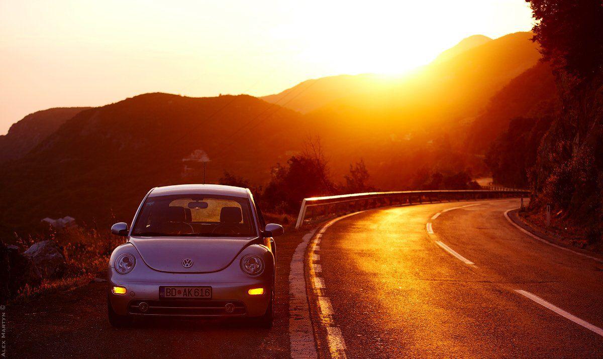 вечер, авто, жук, машина, закат, оранжевый, красный, желтый, огненный, дорога, путь, черногория, горы, Alexander Martynov