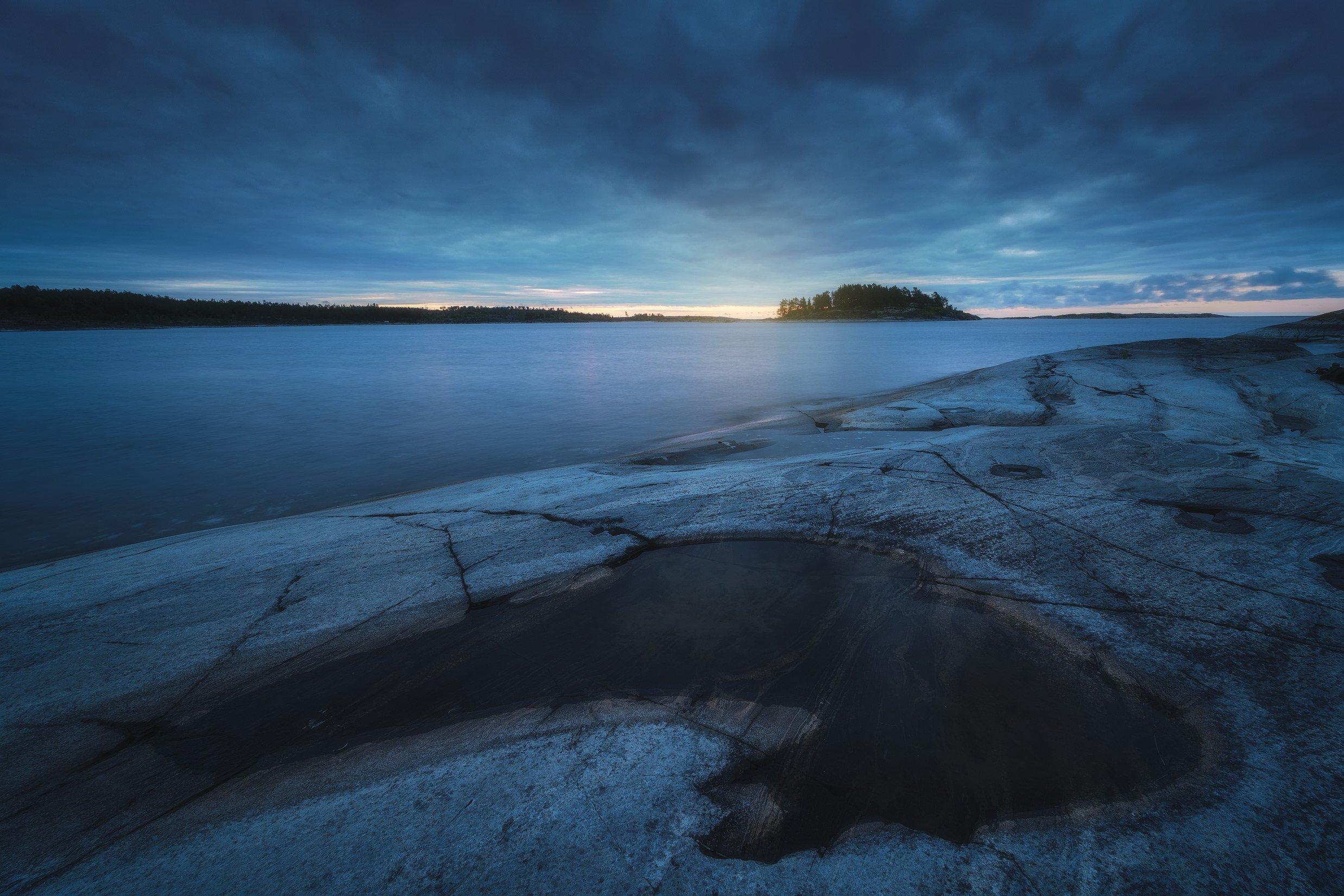 россия, карелия, ладога, ладожские шхеры, ладожское озеро, природа, пейзаж, лето, север, рассвет, озеро, тайга, отражения, скалы, восход солнца, Оборотов Алексей