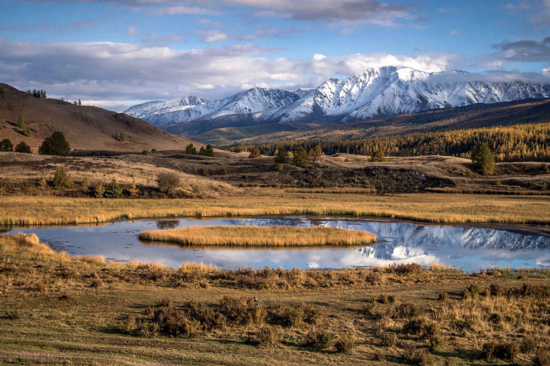 природа  алтай  горы пейзаж путешествие осень тени северо-чуйский хребет отражение озеро джангысколь, Людмила