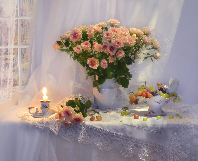 still life, натюрморт,цветы, фото натюрморт, фарфор, стихи, свеча, розы, праздник, подсвечник,  виноград,, Колова Валентина