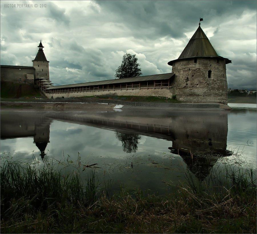 псков, кремль, путешествия, старина, башни, река, велиеая, Виктор Перякин