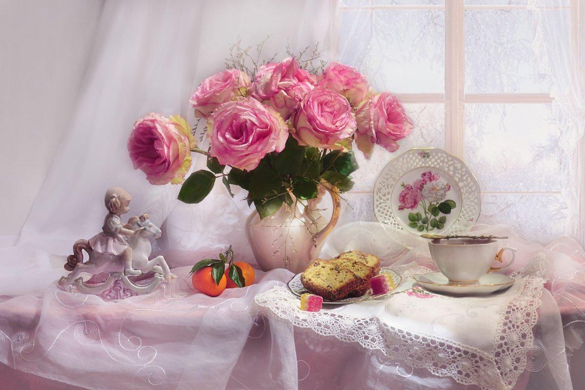 still lif,  натюрморт, чай, цветы, фото натюрморт,розы, фарфор, статуэтка, мандарины, на исходе ноября, осень, Колова Валентина
