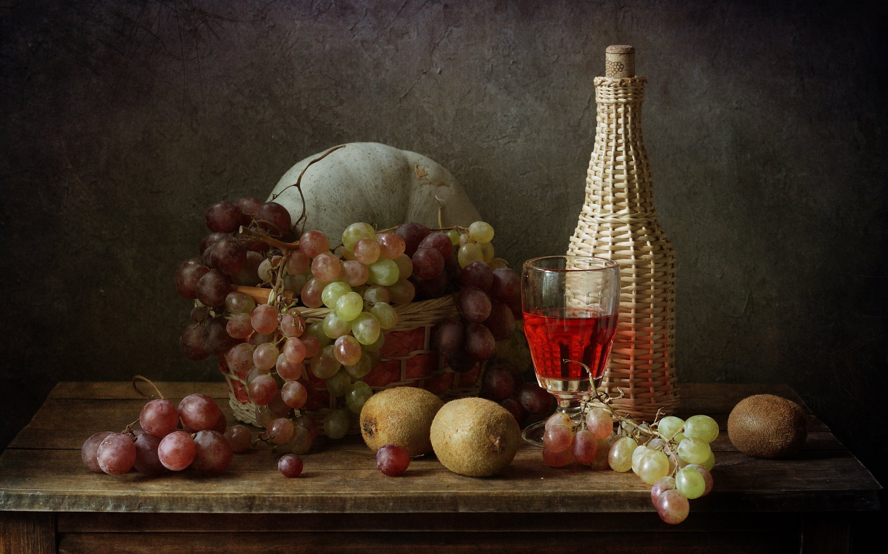 виноград. бутылка, тыква, киви, фрукты, натюрморт, Рябикова-Багузова Галина