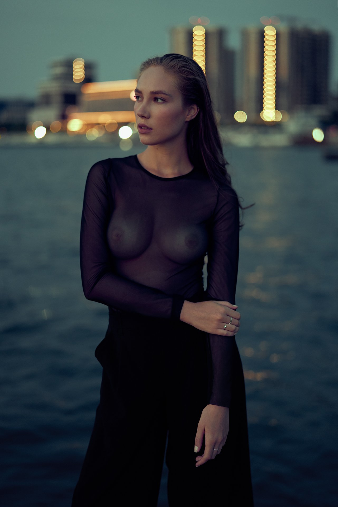 girl, sea, city, morning, dawn, dark, model, nice, beauty, beautiful, blue, novorossiysk, night, water, Роман Филиппов